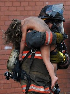 firefighter-saves-young-girl
