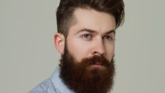 How to Grow Out a Well Groomed Beard